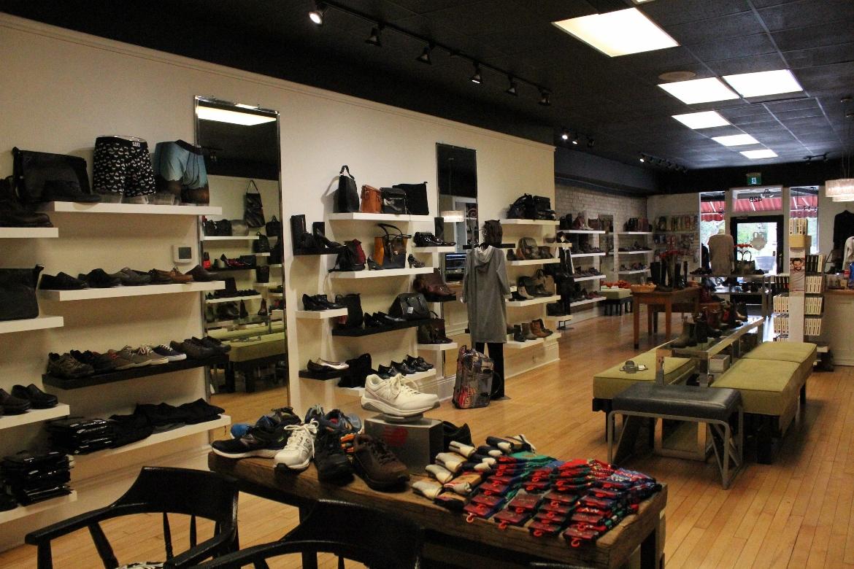 Мощный дизайн обувного магазина фото