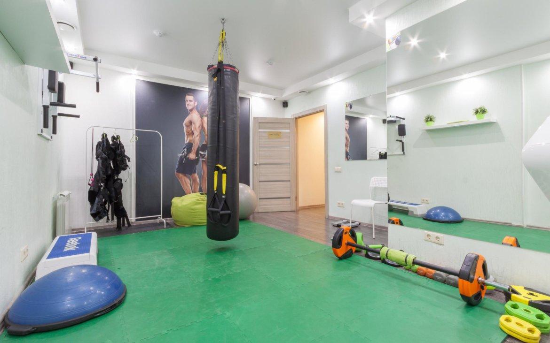 Оригинальный дизайн фитнес-студии фото
